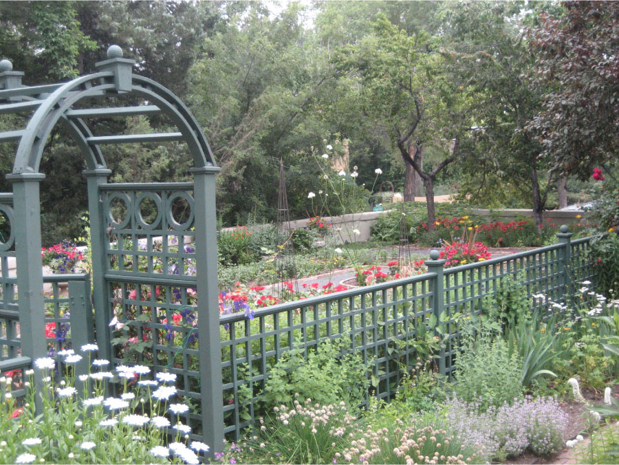 Potager Gardens by Stonegate Gardens of Denver Colorado